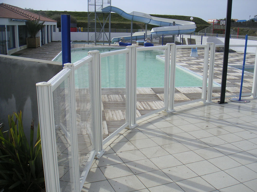 La page photo 208 barrieres piscines com barrieres de for Protection piscine prix